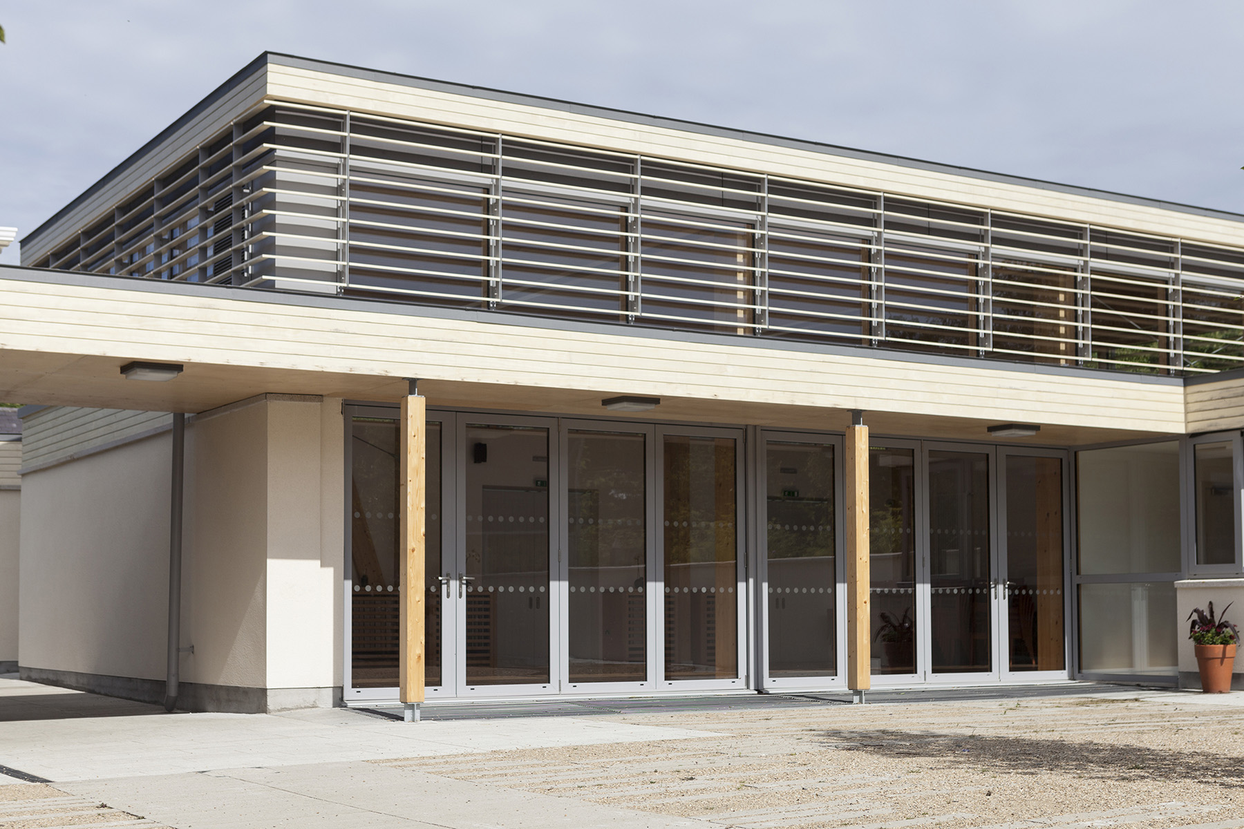 Accoya clads popular visitor centre archetech for Does new roof affect appraisal